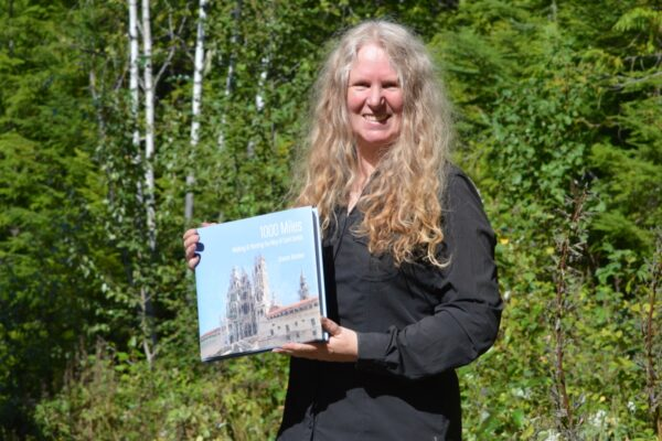 book by sharon bamber 1000 miles walking and painting the way of saint james
